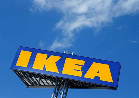 Huonekalumyymäläketju Ikea lopettaa kertakäyttöisten muovituotteiden myymisen.