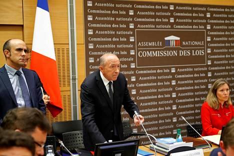 Ranskan sisäministeri Gérard Collomb saapui maanantaina Pariisissa kuultavaksi Alexandre Benallan tapauksesta.