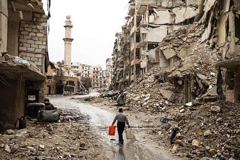 Syyrian Aleppo on kärsinyt erittäin mittavia vahinkoja taisteluissa. Helsingin Sanomien Kalle Koponen kuvasi kaupungin tuhoutuneita itäosia maaliskuussa.