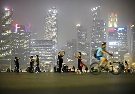 Singaporen taivaan peitti torstaina sakea savusumu. Miljoonat ihmiset kuolevat vuosittain ilmansaasteisiin.