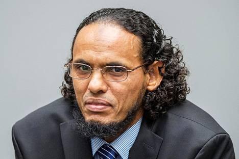 Syyttäjien mukaan Ahmad al-Faqi al-Mahdi oli islamistisen Ansar Dine -ryhmän jäsen. Ryhmä tuhosi vanhoja pyhäkköjä vuonna 2012.