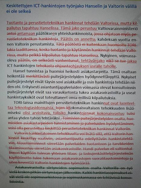 Kuvasta näkyvät muutokset, joita ylijohtaja Marko Männikkö teki tarkastuskertomukseen viime hetkillä.