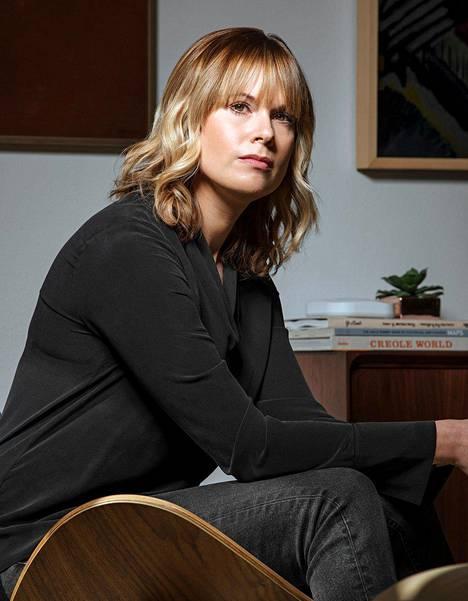 Lara Prescott tutki esikoisromaaniaan varten Tohtori Živagon julkaisuhistoriaa. Prescott on saanut nimensä kirjan naispäähenkilön mukaan.