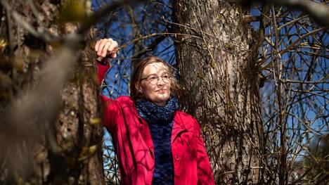Nimistöntutkija Minna-Saarelma Paukkala tuntee suomalaisten etunimien historian, sillä hän tekee tiivistä työtä esimerkiksi nimipäiväkalenterin parissa.