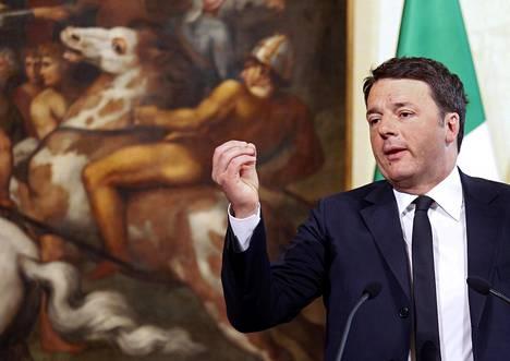 Italian pääministeri on ajanut voimakkaasti pankkeja hoitamaan yhdessä sektorinsa ongelmat.