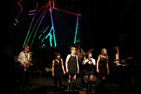 Kitkerät Neitsyet esiintyivät Tavastialla vuonna 2017.