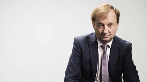 Hjallis Harkimo avasi maanantaina oman Youtube-kanavan, jonne hän aikoo tuottaa videoita kahdesti viikossa.