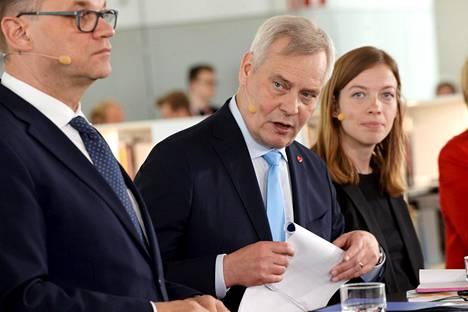 Juha Sipilä (kesk), Antti Rinne (sd) ja Li Andersson (vas) esittelivät uutta hallitusohjelmaa kesäkuun alussa Helsingin keskustakirjasto Oodissa.