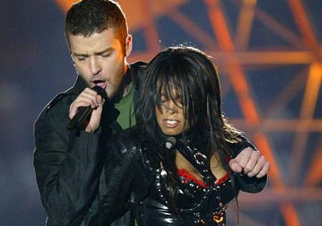 Janet Jackson ja Justin Timberlake esiintyivät Super Bowlin väliaikashow'ssa vuonna 2004.