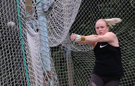 Krista Tervo harjoituksissa Kotkan Karhulassa heinäkuussa 2020.