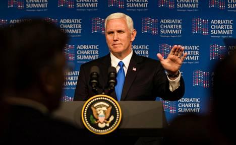 Yhdysvaltojen varapresidentti Mike Pence puhui keskiviikkona Montenegrossa ja tuli samalla tuohduttaneeksi Venäjän.