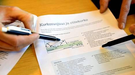 Pankkien kilpailu asuntolaina-asiakkaista on nyt niin kovaa, että pankit joustavat yhä useammin myös lainan vakuusvaatimuksissa.