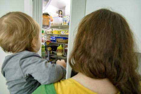 Iso osa suomalaisperheistä käyttää mahdollisuutta kotihoidontukeen eikä laita lasta hoitoon vanhempainvapaiden päätyttyä alle vuoden ikäisenä.