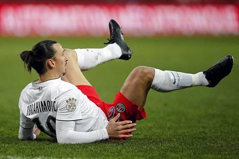 Zlatan ei onnistunut maalinteossa Guingampia vastaan.
