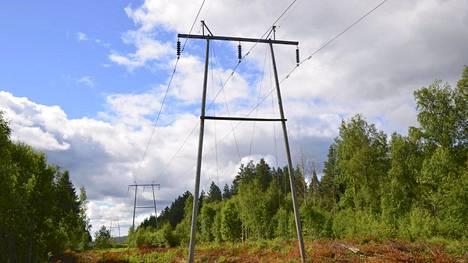 Sähkönsiirto muodostaa noin kolmanneksen sähkölaskusta, eikä jakeluyhtiötä voi kilpailuttaa.