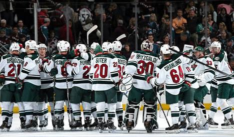 Minnesota Wild juhlii jatkopaikkaa NHL:n pudotuspeleissä