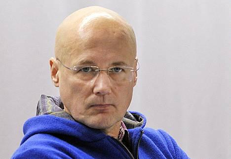 Valelääkärinä toiminneen Esa Laihon vangitsemisoikeudenkäynti Pasilassa 12. marraskuuta 2011.