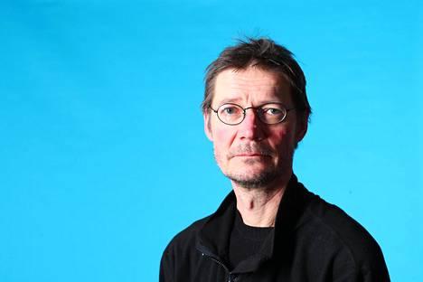 Kirjailija, ohjaaja Juha Hurme.