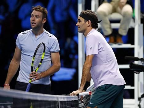 Jack Sock (vas.) onnistui hämmentämään Roger Federeriä hetkellisesti.