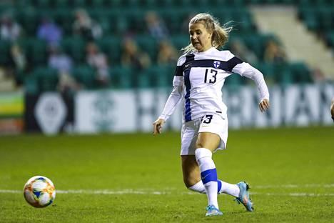 Amanda Rantasen viime hetken voittomaali Skotlantia vastaan joulukuussa auttoi Suomen EM-kisapaikan kynnykselle.