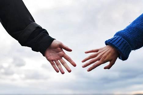 Ihmisillä on taipumus etsiä uudeksi kumppaniksi samankaltaista kuin edellinen oli.