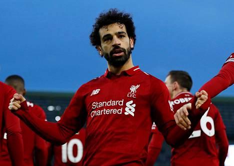Mohamed Salah tuuletti tekemäänsä maalia lauantaina.