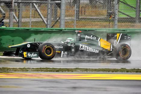 Heikki Kovalainen ja kumppanit joutuivat harjoittelemaan kosteissa olosuhteissa.