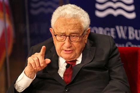 Henry Kissinger puhui George W. Bush Presidential Centerin tilaisuudessa Dallasissa huhtikuussa 2019 johtajuudesta.