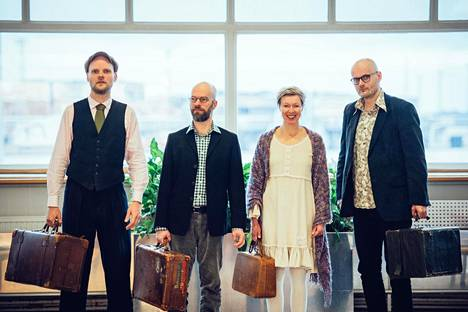 Mikko Perkola (vas.), Kari Ikonen, Mia Simanainen ja Henrik Sandås muodostavat Quartet Ajattoman.