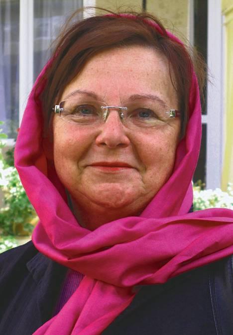 Eeva Koskinen kuvattuna Heratissa, jossa hän on työskennellyt kouluttajana.