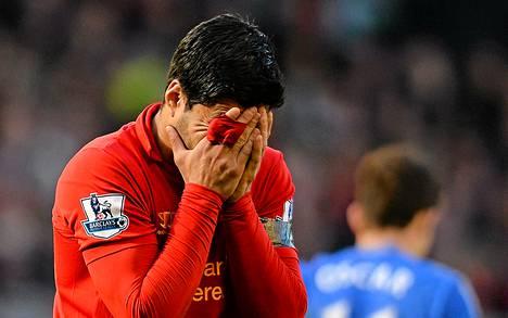 Liverpoolin Luis Suarezia odottaa pitkä pelikielto.