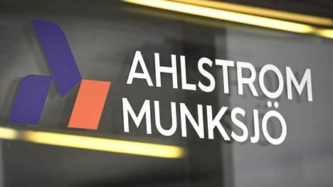 Ahlstrom-Munksjön uusi hallitus alkanee selvittää yhtiön pääkonttorin muuttoa pois Suomesta.