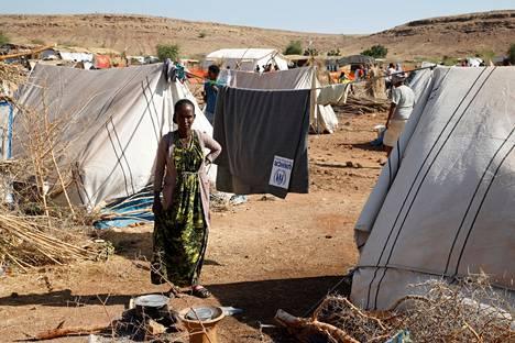 Tigraysta Sudanin puolelle paennut Asqual Helwa viime marraskuussa Um Rakuban pakolaisleirillä.