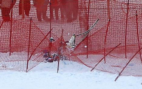 Aksel Lund Svindal loukkaantui tammikuussa pahasti Hahnenkammin syöksyssä.