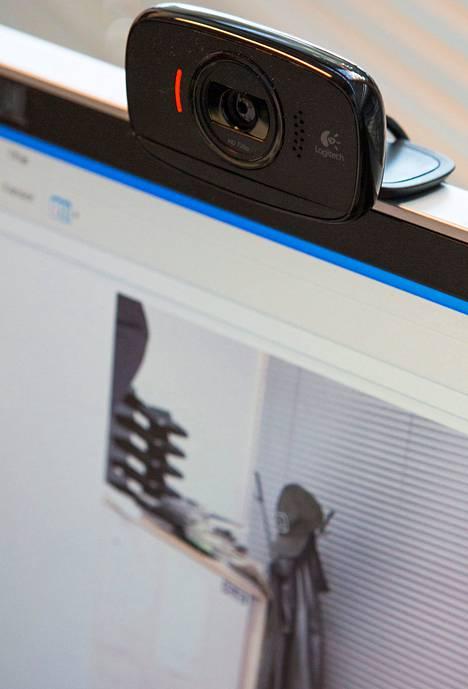 Suojaamaton web-kamera on helppo kohde hakkerille.