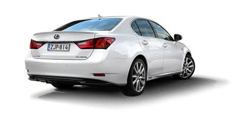 Lexus oli luotettavuustutkimuksen ykkönen. Kuvassa Lexus GS 450h, jonka HS koeajoi vuonna 2012.