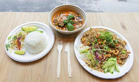 Thai Street Foodissa maistettiin testiksi panang-currya ja kasvisversiota paistetusta riisistä.