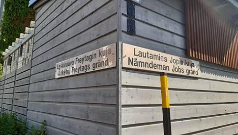 Historiallisten henkilöiden mukaan nimetyt kadut muistuttavat menneistä ajoista. Ne aiheuttavat kuitenkin myös ongelmia.