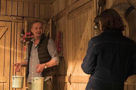 Eero Ahon ja Elena Leeven yhteisissä kohtauksissa on lämpöä ja herkkyyttä.