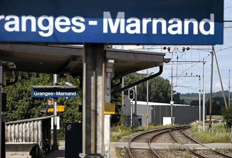 Sveitsin junaonnettomuuden tutkijat epäilevät toisen junan ajaneen päin punaista valoa.