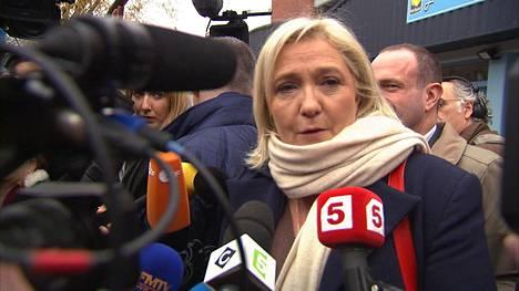 Marine Le Pen johtaa äärioikeistolaista Kansallista rintamaa