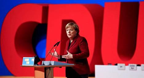 Saksan liittokansleri Angela Merkel CDU-puolueensa kokouksessa joulukuussa 2015.