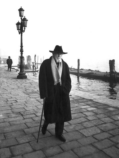 Ezra Pound kuvattuna Venetsiassa vuonna 1963.