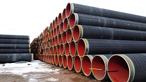 Nord Streamin kaasuputkia Kotkan satamassa maaliskuussa 2009. Nord Stream 2:n on tarkoitus noudattaa samaa reittiä kuin ensimmäisen Nord Stream -kaasuputken.