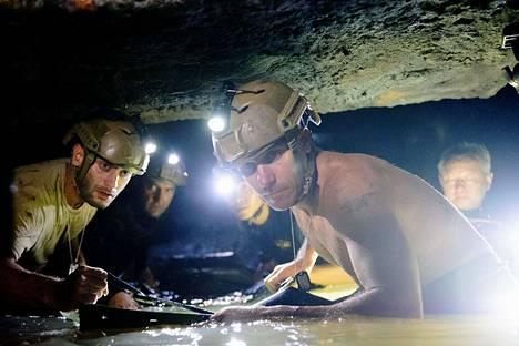 Uskomaton luolapelastus -elokuva kertoo Thaimaan luolapelastusoperaatiosta.