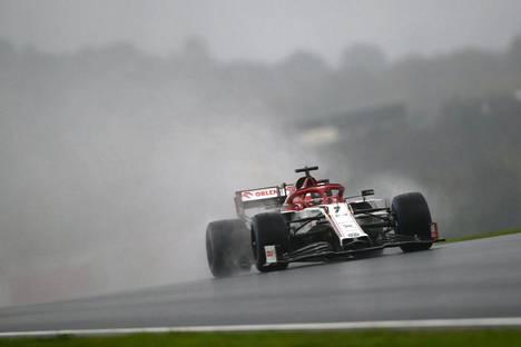 Kimi Räikkönen toivoi vielä kosteampaa keliä Turkin MM-osakilpailuun.