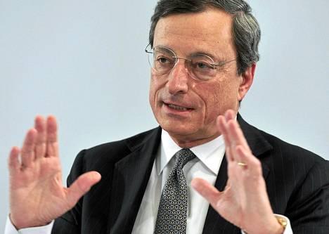 EKP:n pääjohtaja Mario Draghi piti tiedotustilaisuuden Sloveniassa torstaina.
