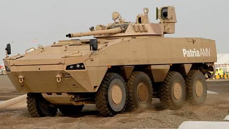 Patria on jo yli vuosikymmenen hakenut jalansijaa Lähi-idästä. Vuonna 2007 Patria esitteli AMV-vaunua Idex-messuilla Arabiemiraateissa.