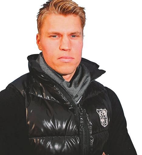 Anssi Jaakkola on pelannut neljä peräkkäistä nollapeliä Etelä-Afrikan pääsarjassa. Hän torjuu palloja Ajax Cape Townissa, joka on Amsterdamin Ajaxin yhteistyöseura. Ajax Cape Town on sarjassa sijalla 11.
