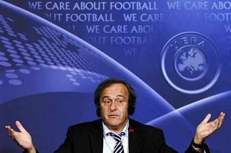 Michel Platini hakee järjestölleen turvaa.